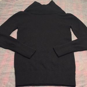 Vince 100% cashmere sweater size XS black